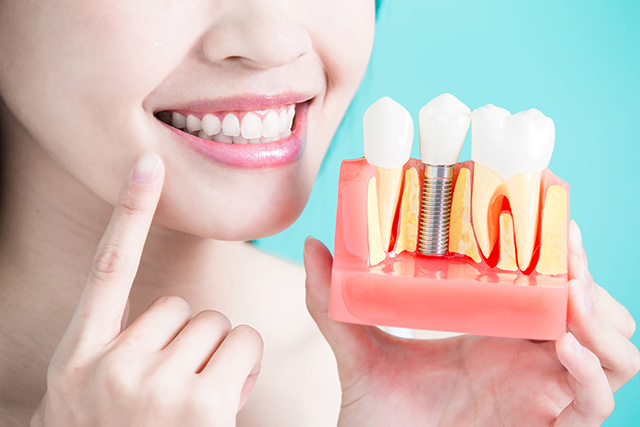 cons of dental implant