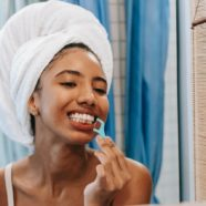 Is Dental Floss Pick An Effective Dental Care Product?